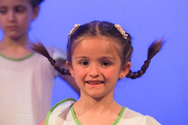 Primo piano di una giovane ballerina