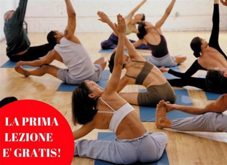 Foto di una lezione di Pilates nella sede di CentroDanzaMillennium a Varese